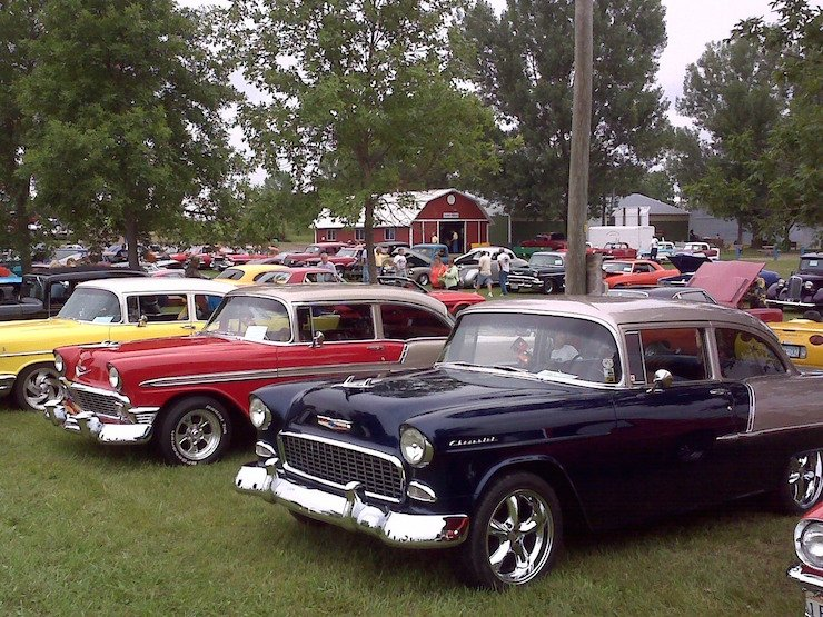 Classic car show lineup